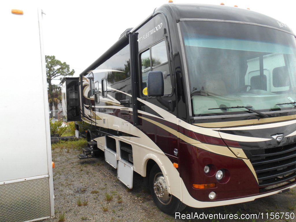 2011 Fleetwood Terra, 33' Class A with 2 slide-outs | Image #2/7 | Affordable RV Rentals from Coconut RV
