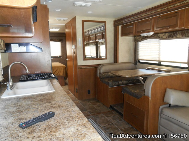 31' Class C with 2 slide out rooms - Affordable RV Rentals from Coconut RV