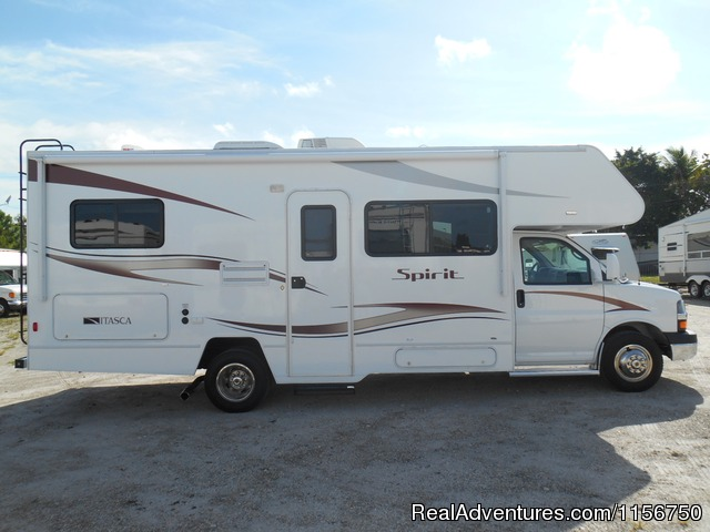 2014 Winnebago Spirit 25B - Affordable RV Rentals from Coconut RV