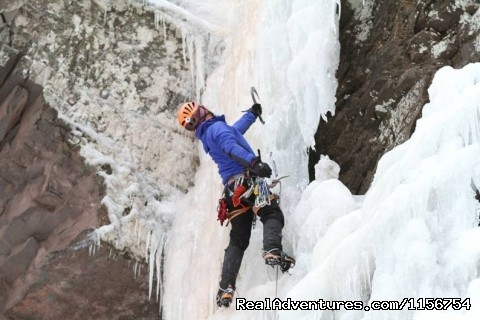 Ice climbing Little Black Dike WI4 Stoney Clove, Catskills - Mountain Skills Climbing Guides- rock/ice climbing