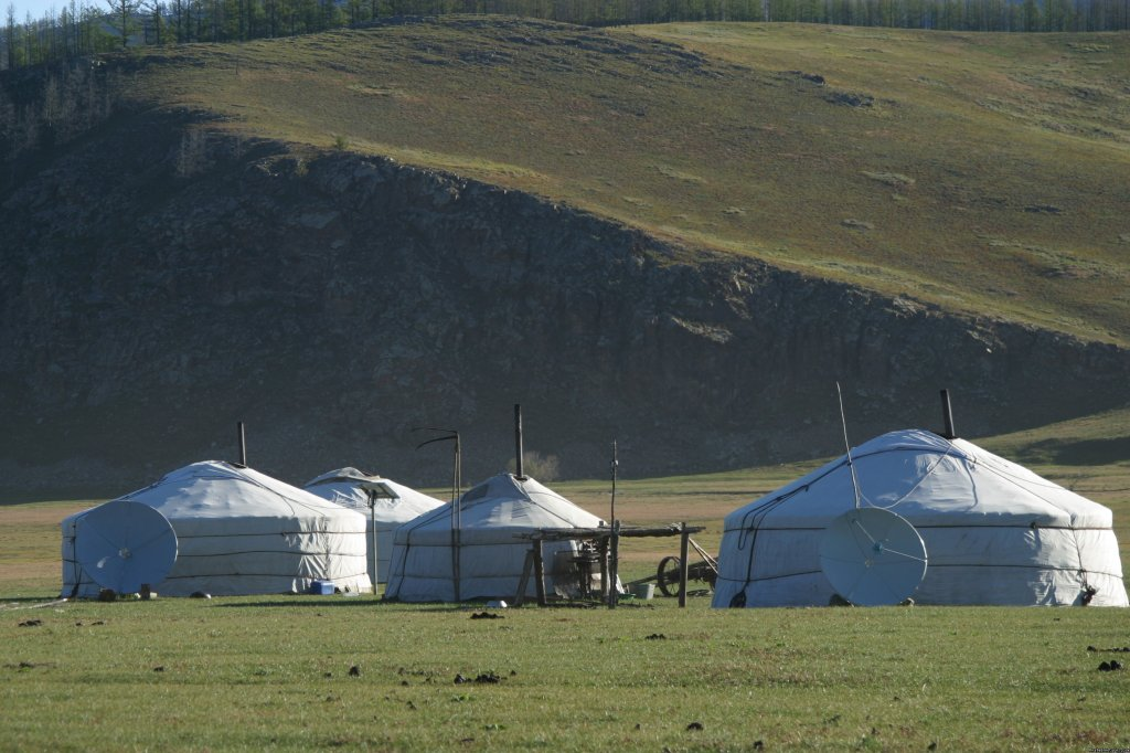 Mongolian traditional dwelling | Image #2/3 | Adventures and treks in Mongolia