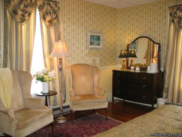 Room 22 sitting area | Image #2/5 | Victorian Bed and Breakfast in Rockport MA