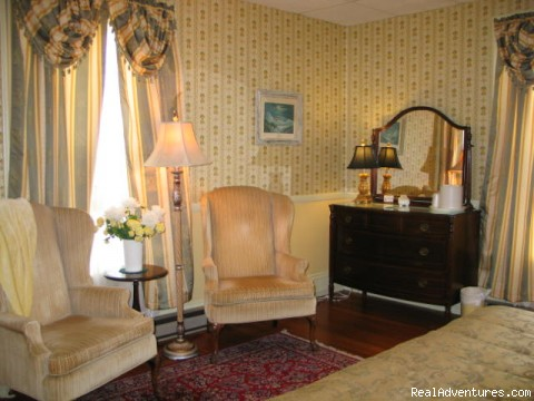 Room 22 sitting area - Victorian Bed and Breakfast in Rockport MA