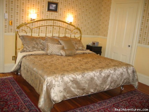 Victorian Bed and Breakfast in Rockport MA: Room 22 King bed