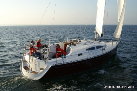 Delphia 31 - Delphia Charters on Lake Ontario