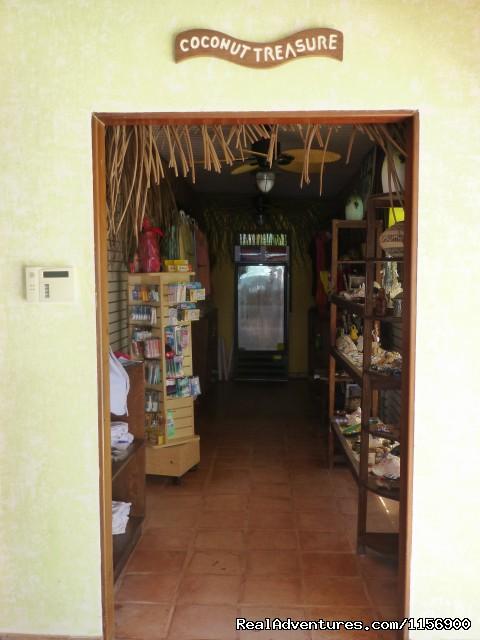 Coconut Treasure Gift Shop (#20 of 21) - Robert's Grove Beach Resort