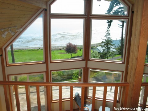 Master Loft View - Olympic Peninsula's Oak Bay Getaway
