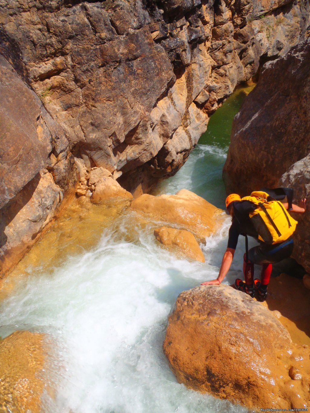 Water dancing with rock in the canyon of Sierra de GUara | Image #6/6 | Canyoning and adventure in Sierra de Guara - Spain
