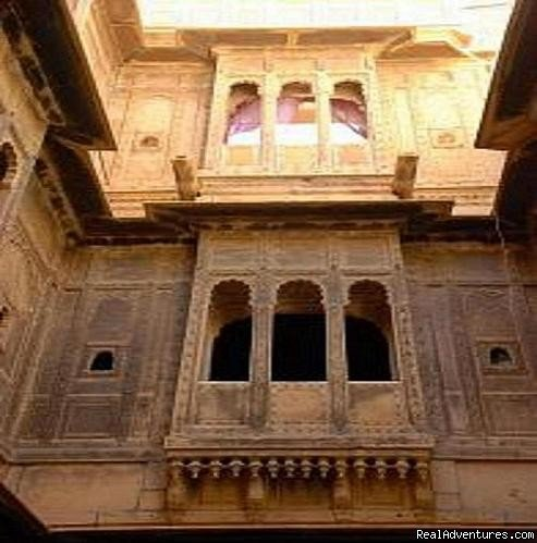 Entrance of Haveli.