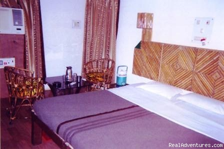 - Lodge Bandhavgarh