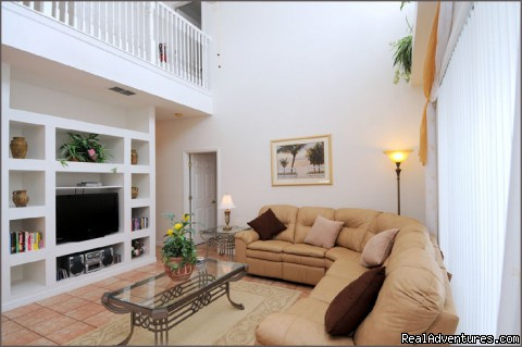Stylish Family room - Stunning Lakeside Villa, 4 Miles to Disney