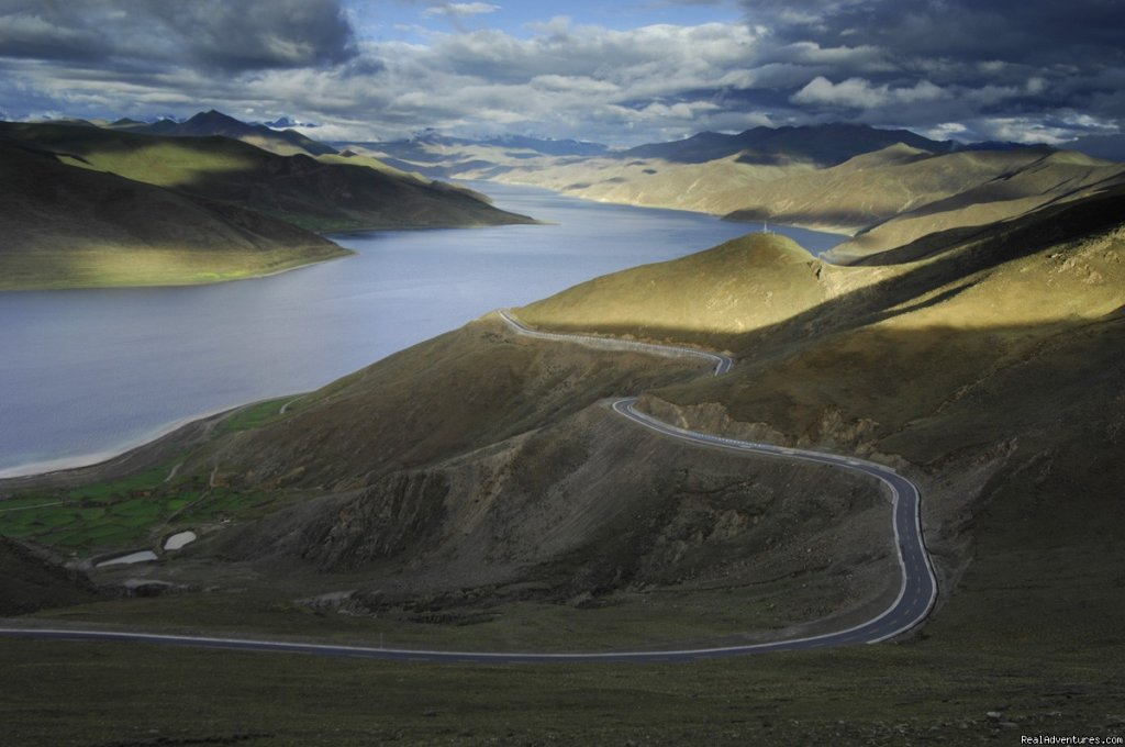 On the Road in Tibet | Image #19/22 | Great Driving Journeys of the World