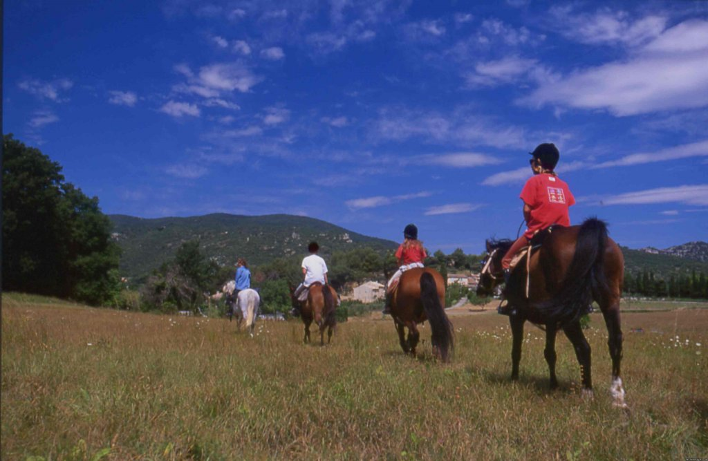 Departure for a ride | Image #3/4 | Cap Rando - Horseback Riding Vacations In Provence