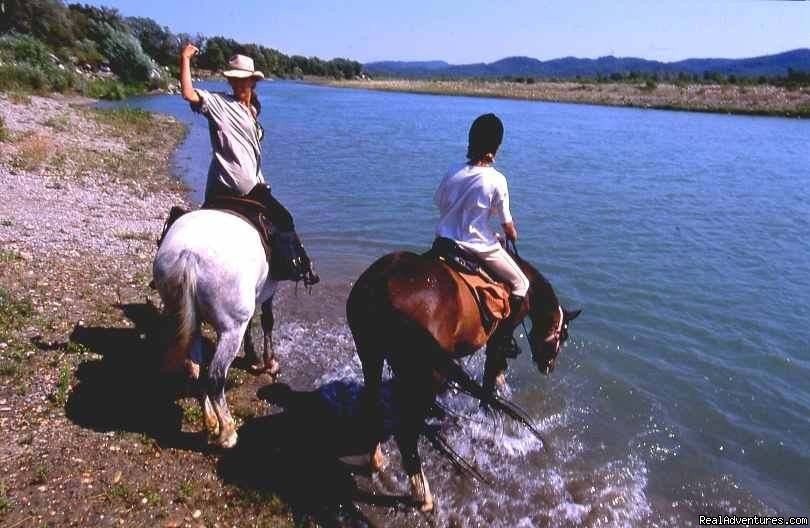 Crossing of the Durance River for the trip up to Camargue | Image #4/4 | Cap Rando - Horseback Riding Vacations In Provence