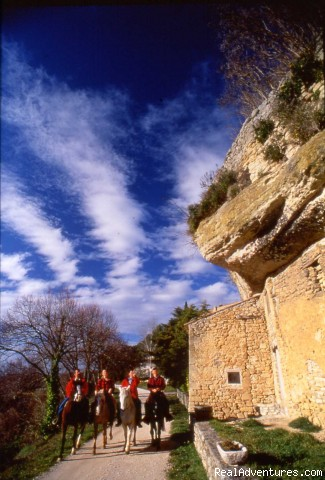 Le Pas d'Ansares - Cap Rando - Horseback Riding Vacations In Provence
