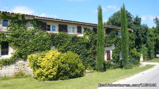 Image #2 of 12 - Chez Emilion