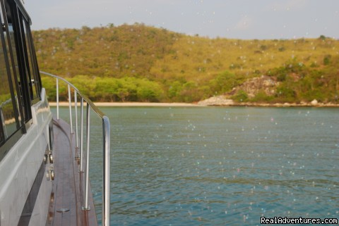 Image #3 of 10 - Yacht Charter