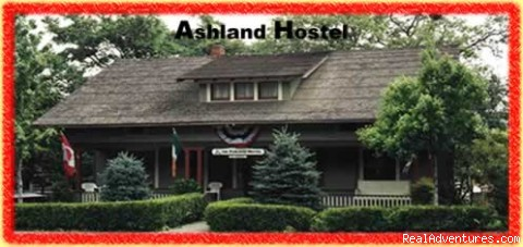 Clean affordable rooms at the Ashland Hostel: The front porch at the Ashland Hostel