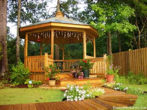 Gazebo @ Cart Barn Inn - Cart Barn Inn