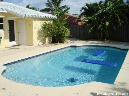Image #3 of 9 - Executive Vacation Villas
