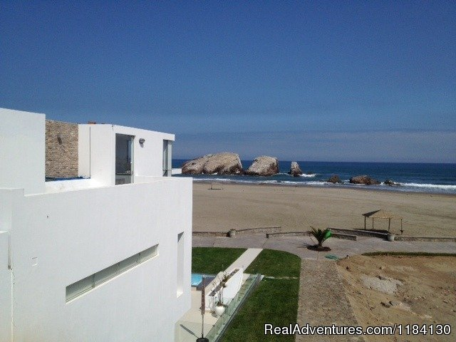 Main Entrace on the 3rd floor, street level | Image #5/8 | Brand New Beachfront House - Peru (Las Palmeras)