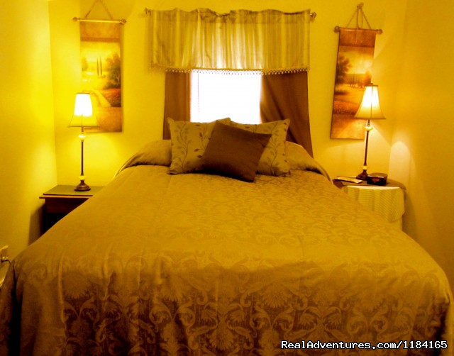 Cedar Suite Bedroom - Yoga Boot Camp, Spa Getaway Packages, & more