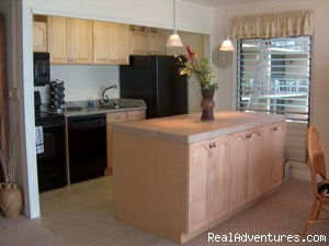 Image #5 of 6 - Maui Sands - Ocean Front 2-bed 1-bath Condo