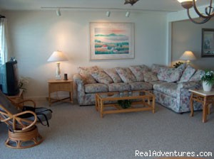 Image #6 of 6 - Maui Sands - Ocean Front 2-bed 1-bath Condo