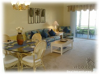 Luxury Lakefront Condominium-Fantastic Location