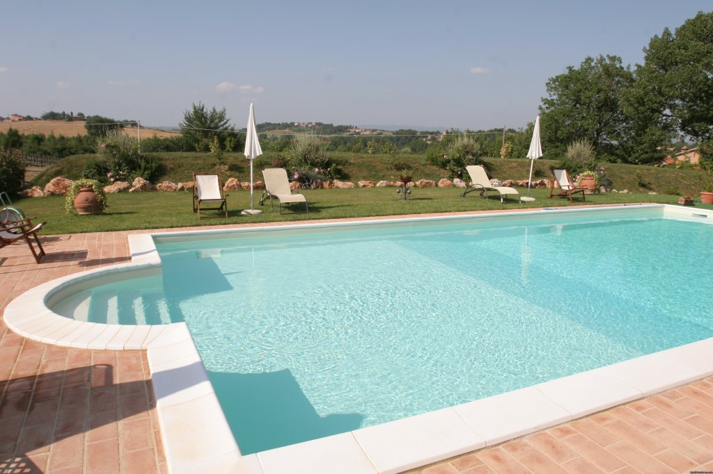 the accomodation is in a converted old barn situated inside the holiday farm which is one of the most important stud farms of english thouroubred italian gallop, horses. There are 4 apartments, elegantly and finely furnished in typical tuscan style.