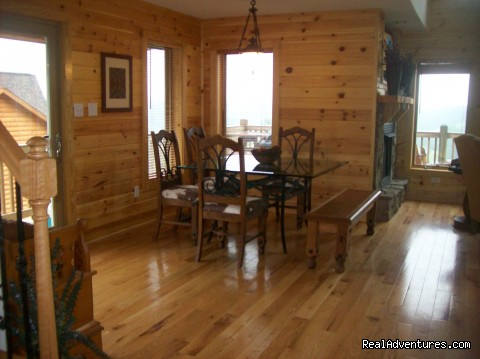 Dining Room - Cabin retreat off the Blue Ridge Parkway