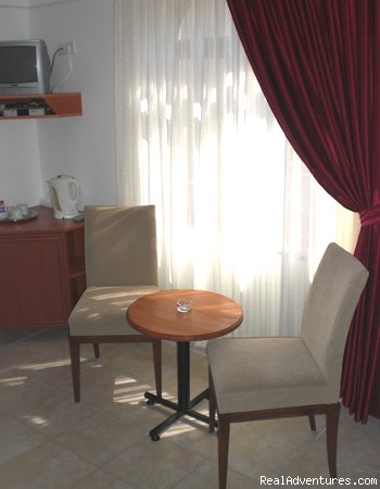 Comfortable airconditioned rooms - British operated Boutique Hotel & Bar