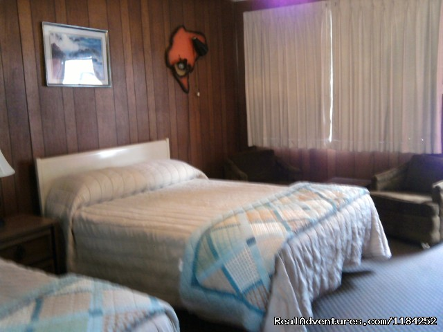 Regular Sleeping room - Mar Mar Resort, Tackle Shop & Big Phil's Guide's
