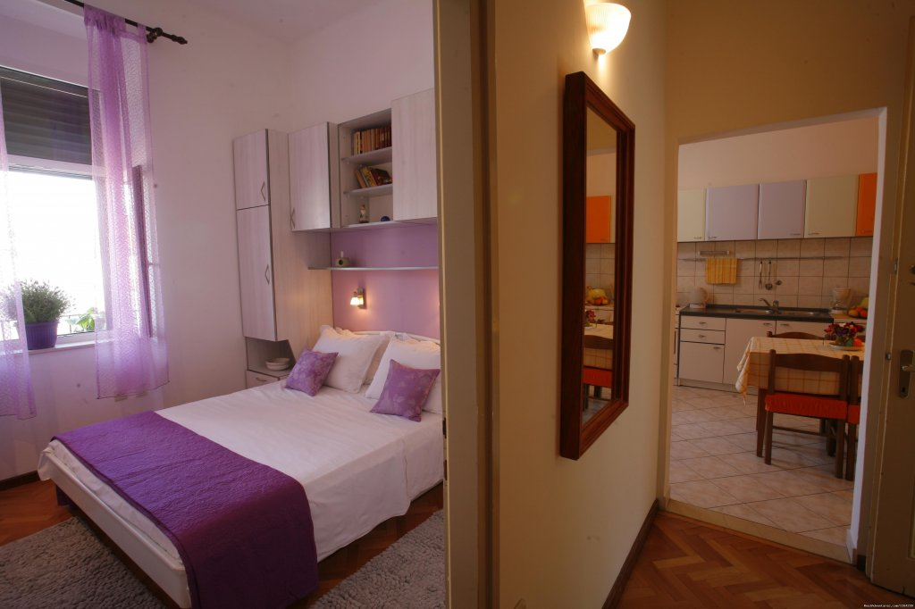 Bedroom & Kitchen | Image #13/23 | A lovely apartment Marmont in heart of town Split