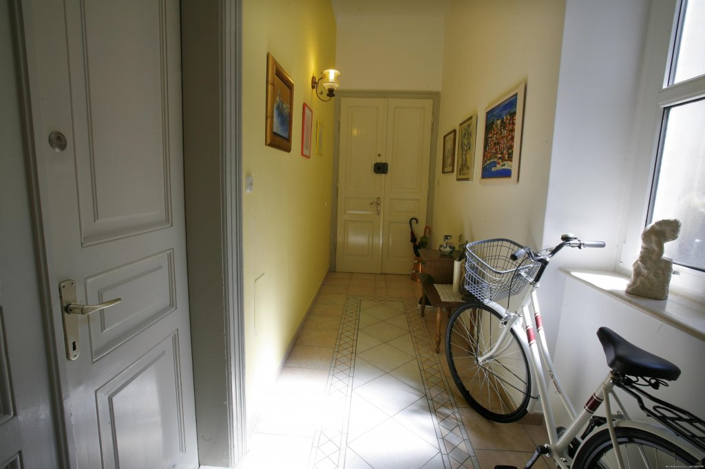entrane ap Marmont | Image #19/23 | A lovely apartment Marmont in heart of town Split