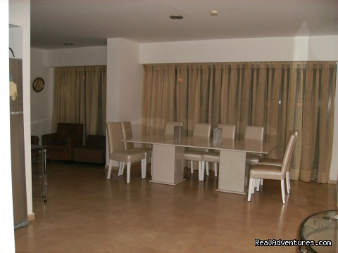 - rent spacious beachfront apart  HERTZLYA PITUACH