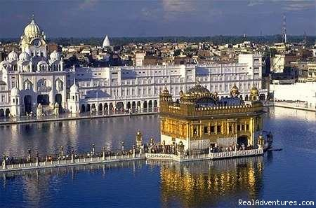 Golden Temple - Colorful & Incredible India Tours & Packages