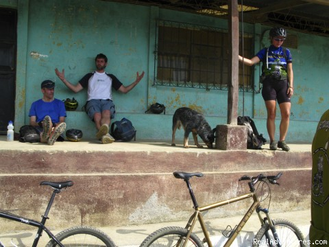La Ruta de Maya: taking a break on the way up to Cielo Grande ride, Antigua