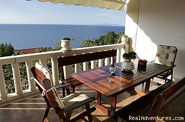 Villa Perka: The Bougainvillea terrace 1