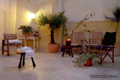 Guests' Patio - B and B in in the heart of Xativa, Valencia