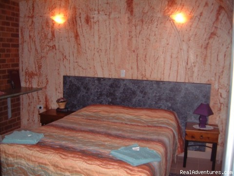 Underground Motel Room - Underground Accommodation