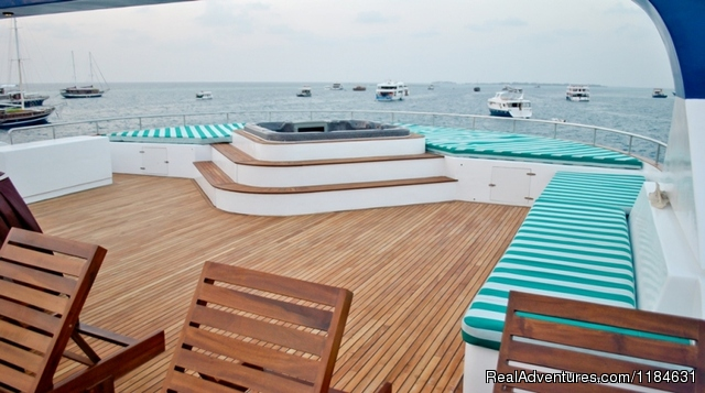 Maldives cruising with BBQ lunch on picnic island Sundeck and Jacuzzi