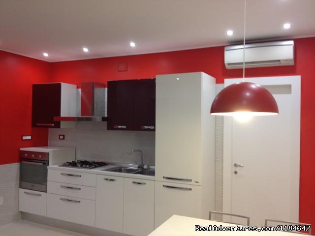 Image #3 of 12 - Villa Bebe: Vacation Apartment Sorrento Coast