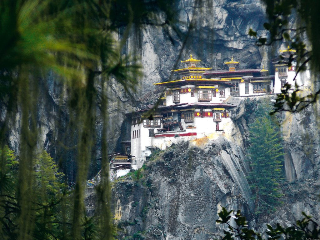 Offers unique and memorable holiday experience to discerning travelers to Bhutan