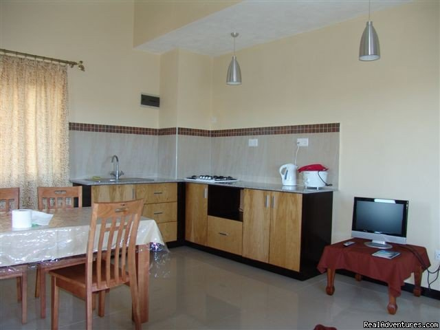 Villa Narmada Living room+kitchen 2 BD apt | Image #8/10 | Selfcatering luxuous hotelrooms near the beach