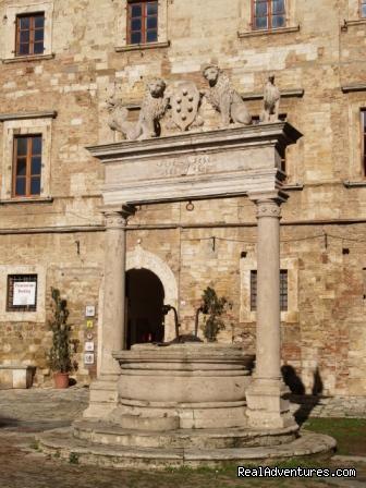 Piazza Grande - Learn Italian in Tuscany @ Il Sasso