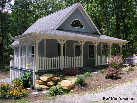 The Blue Cottage Rental - Lookout Mountain, GA