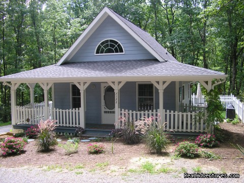 Front view of cottage (summer 09) - The Blue Cottage Rental - Lookout Mountain, GA