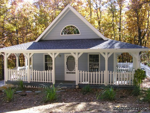 Front View (Fall 08) - The Blue Cottage Rental - Lookout Mountain, GA