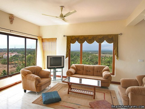Visitor's Lounge - 4 bed/ 4bath Luxury Apartment with panoramic Views